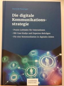 """Buchcover """"Die digitale Kommunikationsstrategie"""" von Dominik Ruisinger"""