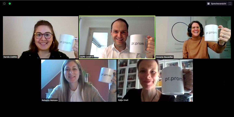 #hochdietassen - Auftakt ins Jubiläumsjahr: Das dapr-Team freut sich auf 30 Aktionen für 30 Jahre dapr!