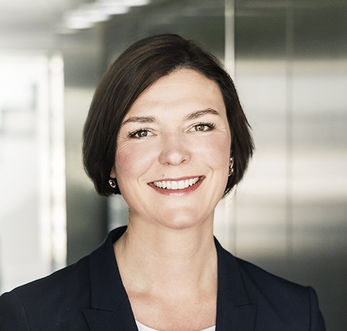 Dr. Christina Afting ist Dozentin in der DAPR-Weiterbildung zum Digital Strategist.