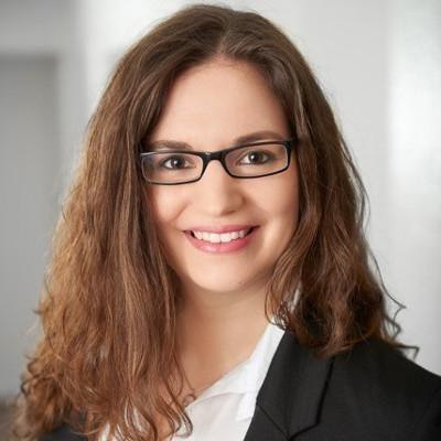 DAPR-Grundausbildung zum/zur KommunikationsberaterIn/-referentIn: Absolventin Laura Hatzig