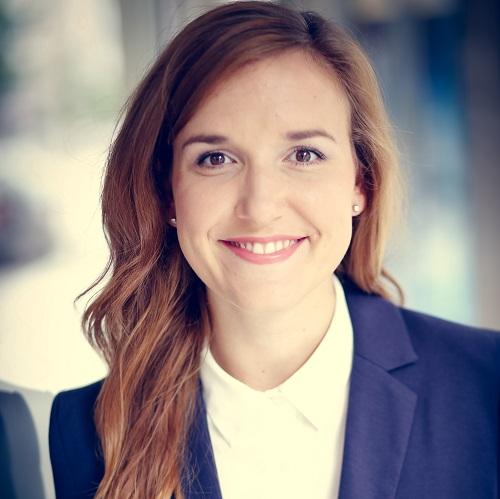 Jo Barbara Volkwein ist Dozentin in der DAPR-Weiterbildung zum Digital Strategist.