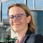 """Stephanie Gläßer. Die Absolventin des Masterlehrgangs """"PR und Integrierte Kommunikation"""", ist heute Manager Marketing Communications bei Bilfinger SE."""