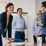 Dr. Christina Afting arbeitet in der DAPR-Weiterbildung zum Digital Strategist mit agilen Methoden.