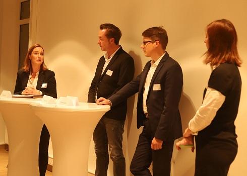 PR meets HR. Podiumsdiskussion mit Susan Brecht, Hubert Hundt, Thomas Lüdeke und Moderatorin Christina Horn.