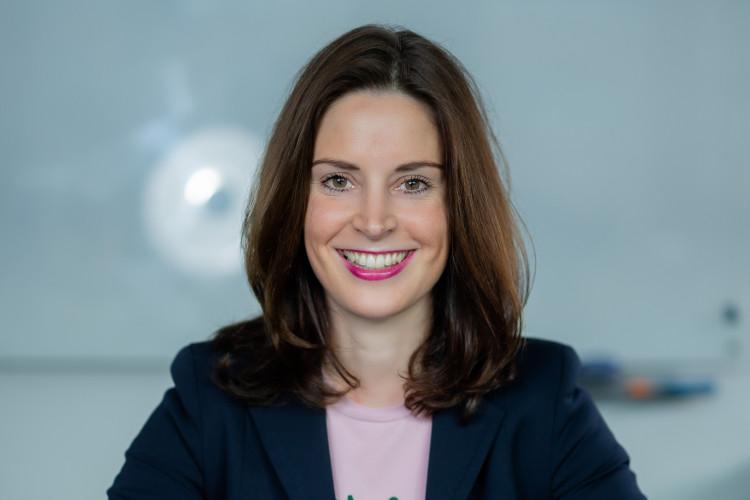 Julia Katharina Büttner, Dozentin bei der DAPR