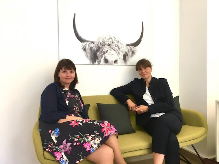 Auf dem #daprsofa: Eliza Manolags und Birgit Ziesche waren Talk-Gäste in der dapr-Intensivausbildung Interne Kommunikation und Change