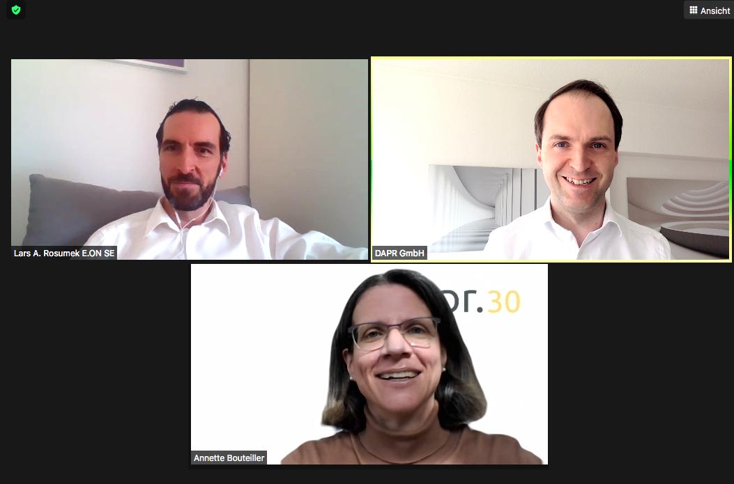 Screenshot der Ask me anything-Session mit Lars Rosumek (o.l.) von E.ON.